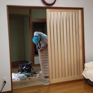 ふすまを木製スライド建具に交換